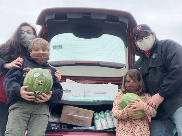 Volunteers Provide Ongoing Food Donation for Families
